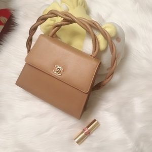 Authentic vintage CHANEL caviar leather crossbody